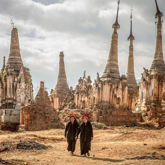 Shwe-Indein-Pagoda-Inle-L-015