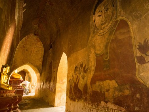 Wall-painting-in-Bagan