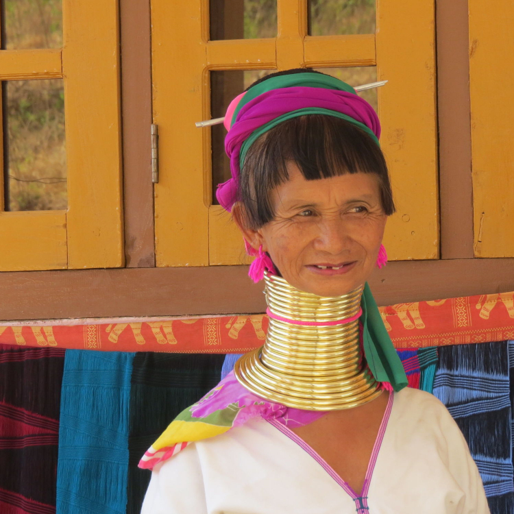 Old long-necked, Kayan woman, Loikaw, Kayah