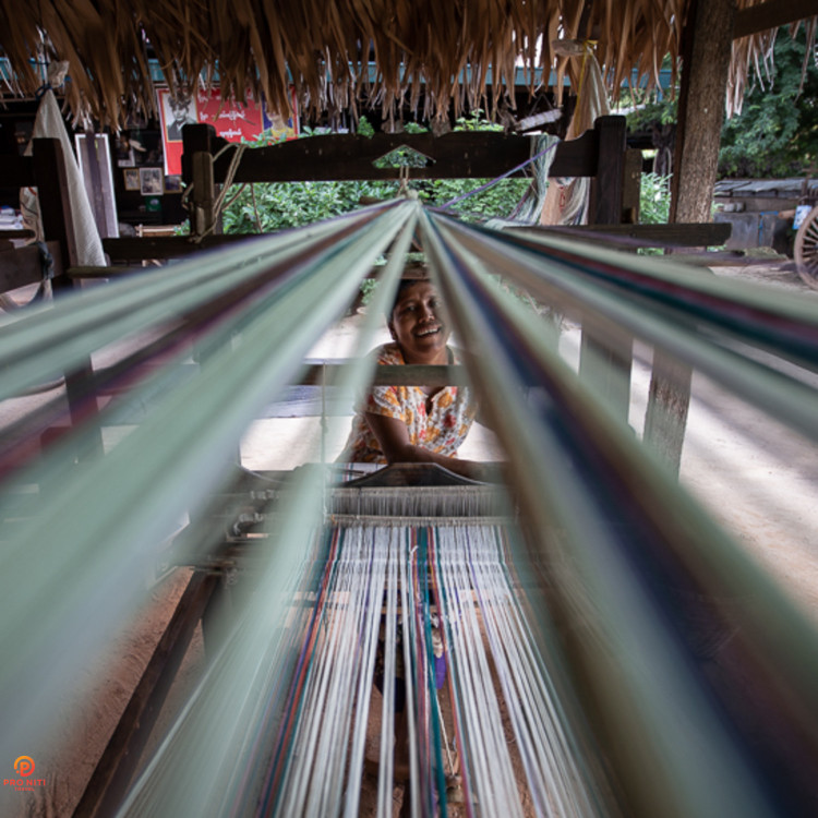 Myanmar-Culture-and-Arts-Weaving-Industry-at-Minnathu-Village