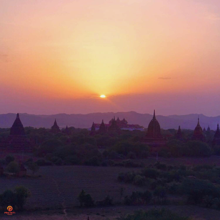 Myanmar-Culture-and-Religion-Temples-in-Bagan